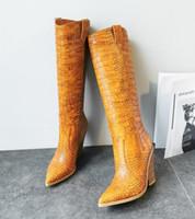 Petite grande taille 33 à 42 à 46 à la mode des femmes genou haut bottes de cow-boy pointus chaussures de marque de gros talon