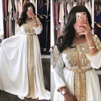 Caftano Marocco Abiti da sera bianco Abaya Dubai abiti di sera convenzionali con i manicotti Una linea in rilievo di Applique Prom Dress musulmana 2020