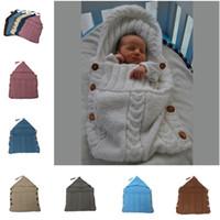 Sacs de couchage bébé nouveau-né en tricot à capuchon Swaddle Tassel solides faits à la main Couvertures Boutons Wraps Costume Crochet Gigoteuses TTA2050