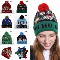 Neuheit LED Weihnachten Strickmütze Fashion Xmas Light-up Beanies Hüte Outdoor Light Pompon Ball Ski Cap