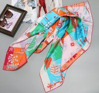 Touche à main Bords 100% écharpe de soie 90 grandes écharpes carrées en soie enveloppements Foulard Femmes Tête Foulards pour les cheveux Emballage