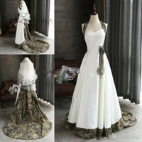 2019 Camo Vintage A Line Abiti da sposa Halter Raso Custom Made Sweep Train Fiori fatti a mano Paese Wedding Abiti da sposa Plus Size