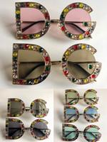 Yeni Moda Kadınlar için Tasarımcı Güneş Gözlüğü Kadınlar Güneş Gözlüğü Tahta Çerçeve En Kaliteli Yaz Tarzı Bayan Gözlük Koruma Gözlük 8015