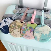 4 ألوان جولة الأمتعة الكلمات خريطة العالم نمط صعبة PVC حقيبة التسميات ID معرف بطاقة اكسسوارات السفر