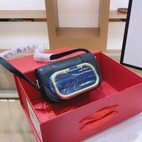 2021 Luxurys Designer Crossbody Bag Frauen Geldbörsen Hohe Qualität Handtaschen Umhängetaschen Metall Zeichen Ebene HASP Große V-Buchstaben Lady Flap Brieftaschen