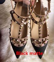 Designer Brand Classic Spitz Frauen Schuhe Knöchelriemen Kleid Schuhe Leder Nieten Sandalen Frauen Verzierte Riemchen Valentine Größe 33-43