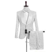 Personalizza Scialle Risvolto Smoking smoking bianco (giacca + pantaloni + gilet) Groomsmen Best Man Suit Mens Abiti da sposa Sposo