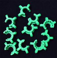 10mm의 14mm에서 18mm 플라스틱 중사 클립 K-클립 연구소 실험실 클램프 유리 기억 만 물 파이프 어댑터 넥타 수집을위한 플라스틱 잠금 클립