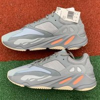 2b2f77ea9fdaf Corredor da onda 700 Mens Running Shoes Estações Mauve Cinza Sólido Kanye  West V2 Moda Esportiva