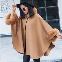 2018 Otoño Invierno Prendas de abrigo Moda Manga de murciélago Manga Faux Fox cuello de piel Capa capa del cabo elegante poncho de las mujeres abrigo largo