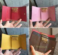 Six porte-clés de portefeuille Comeinu9 haute qualité pour femmes portefeuille classique des hommes porte-clés avec boîte, sac à poussière carte 60701 Hot Stamp personnalisé