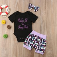 Yaz Harem Takım Elbise Bebek Kız Mektuplar Kısa Kollu T-shirt Tulum Romper Balık Ölçeği Şort Saç Band Bantlar Üç Parçası Set E21904