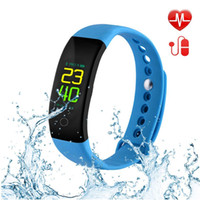 Smart Watch, fitness tracker con cardiofrequenzimetro IP67 impermeabile, Smartwatch per iOS Android