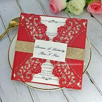 Invitaciones de boda del corte del láser rojo chino con la etiqueta y el glitter Cinturón elegante encaje floral invitaciones para la ducha nupcial graduación de cumpleaños