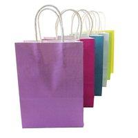 Envoltura de regalo 10 unids / lote Festival Kraft Papel Bag Bolsos de compras DIY Color de caramelo multifunción con asas 21x15x8cm