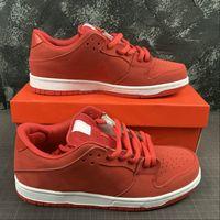 حار بيع منخفضة الموالية QS الفتيات لا تبكي مصمم سكيت أحذية أحمر أبيض أزياء رياضية chaussures المدربين نوعية جيدة