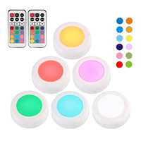 Wireless LED RGB luces del armario 12 colores Puck Light Touch Sensor 6 Pucks de 2 noches en Remotos LED del contador de luz debajo del gabinete de la lámpara