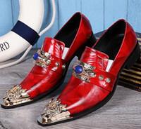 Demonio Rubine Sapphire Marca Casual Zapatos rojos Hombre Vestido sin cordones Metal vintage Punta estrecha Cuero Formal Sólido