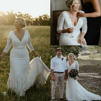 Vintage Plus Size Lace Wedding Dresses Sexy V Neck Sweep Tra...
