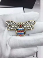 High quality Little bee brooch luxury classic Letter Brooch ...