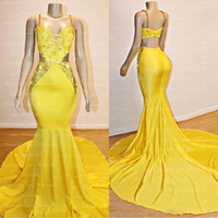 Atractivos amarillos de Spaghrtti espalda abierta vestidos de baile 2020 apliques de cristal de encaje con cuentas vestido de noche largo del partido formal del vestido BC3999