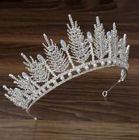 En Stock Swarovski Designer de luxe Crowns Crowns Coiffures Couronne Mariée Couronne et Tiaras Accessoires Femmes Bijoux Ensembles Headpiece de mariage