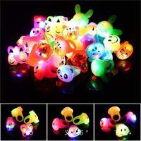 부드러운 접착제 동물 반지 파티 호의 장식품 LED Luminescence 손가락 램프 만화 반지 소년 소녀 작은 선물 보석 0 89MC H1