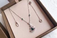 Smaragd Rock Halskette Frauen hängende Halskette Individualität Blume Claviclekette für Frauen Geburtstag Neujahr Geschenk