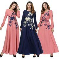 Womens Muslim Kleid Swing Floral Stickerei Lose Abaya Lang Maxi Kleid Lässige Mode Kaftan Dubai Islamisches Kleid A-Line Gürtel Neue