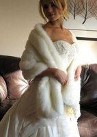 Новый горячий для зимы в наличии Белая IVORY Faux Меховая куртка свадьба свадьба свадебные обертки теплые женщины шальки с муфты аксессуары бесплатная доставка