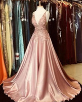 Blush vestidos de noite cor-de-rosa impressionante profundo pescoço de vice-perego lace apliques de comprimento total vestido formal vestidos de festa de baile