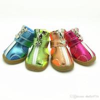 الحيوانات الأليفة الأزياء سلسلة الكلب أحذية الجوارب سيليكون النعال تنفس شبكة الكلب أحذية 5 أحجام 5 ألوان شحن مجاني