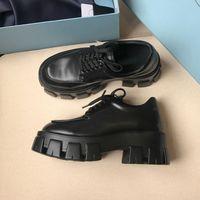 Venda quente de alta qualidade das patentes sapatos de couro de luxo New Release Chunky Mulheres Punk Moto Preto Shoes Designer Couro Plataforma preguiçosos Mocassins