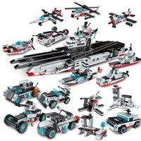 8in1 643pcs Bloques de construcción educativos para niños Toy Compatible City Military Series Aircraft And Carrier BattleshipMX190820