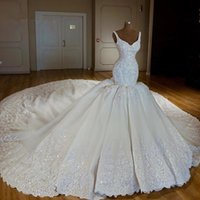 2020 Luxury Mermaid Wedding Dresses with Chapel Train Lace A...