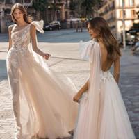 2020 Moda Berta Bohemian Vestidos de casamento Boho Lace Appliqued vestidos de casamento de um ombro Praia Vestido de Noiva Vestido De Novia