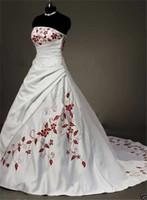 Abiti da sposa senza spalline Abiti da sposa ricamati con petto pieghettato personalizzato