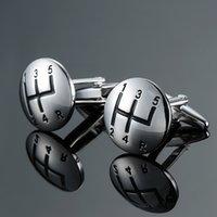 Nouveau matériel manuel de voiture de luxe matériel en laiton de haute qualité Argent Boutons de manchette mode chemise homme français Cufflink Livraison gratuite