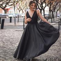 Semplice nero A-line Abiti da ritorno a V-Beck Backless Long Prom Gown Abito da pavimento Satin Special Dress Dress