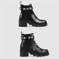 여성 디자이너 신발 마틴 사막 부트 플라밍고 Love Arrow 100 % 진짜 가죽 메달 굵은 미끄럼 방지 여성 겨울 신발 크기 US5-11