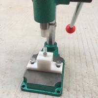 Operado manualmente Press Machine para G5 Vapes Cartuchos Compressor Manual Portátil Compressor Vape Pen. 5 ml 1 ml M6T Extrato De Óleo Atomizador Presser
