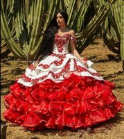 Red Charro Quinceanera Abiti Messicano 2020 Ruffled Floral Off Spalla Pulffy Gonna Pizzo Ricamo Sweet 16 Girls Masquerade Prom Gowns