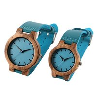 Einzigartige blaue Farbe Holz Uhr Frauen aus Holz Quarz Herrenuhren aus echtem Leder Band Paare Liebhaber Uhren Uhr Geschenke 2019 Y19051403