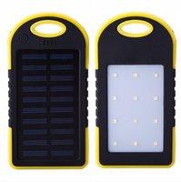 Cargador impermeable de banco de energía solar portátil para teléfono completo 6000mAh con luz LED con paquete de venta al por menor