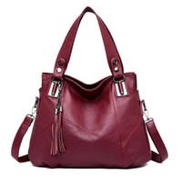 00237a5efa900 Yeni Gelenler. Kadın çantası 2018 yeni orta yaşlı tek omuz kadın anne  çantası patchwork yönlü yumuşak deri çanta ...