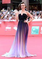 Lily Collins Elie Saab Ombre Falten Promi-Kleider Trägerlos Low Cut Back Sweep Zug Chiffon Abendkleid