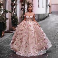Blush Rosa 3D Flowers Ball Gown Quinceanera Prom Dresses Sheer Vita in vita Pizzo Su Back Pageant Dress Off the Spalla Abiti da festa sera