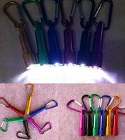 Mini-LED-Taschenlampe mit Karabiner-Licht-Lampe für Camping Fischen Fackel-handlich starke helle Taschenlampe Schlüsselanhänger für Reise Geschenke EEA1885