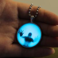 هالوين ليلة مضيئة قلادة قلادة فاسق توهج في الظلام بيان القلائد مجوهرات للنساء الرجال حزب ديكور هدايا عيد الميلاد