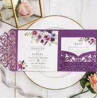 Invitaciones de bodas de bolsillo con banda de vientre brillante Burgundy Pocket Tri-plegado Corte láser personalizado Corte de otoño de invierno Weedi (no hay sobre interior)